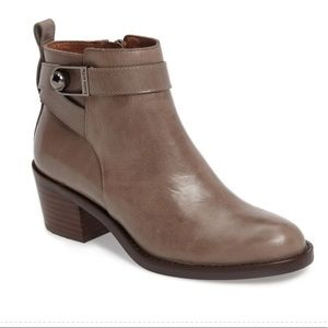 Louis et Cie Vincenzo Booties In Gravel NWT